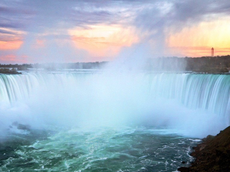 enormous waterfalls of Niagara Falls